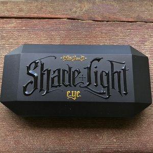 Kat Von D Shade + Light Eye Shadow Palette Plum